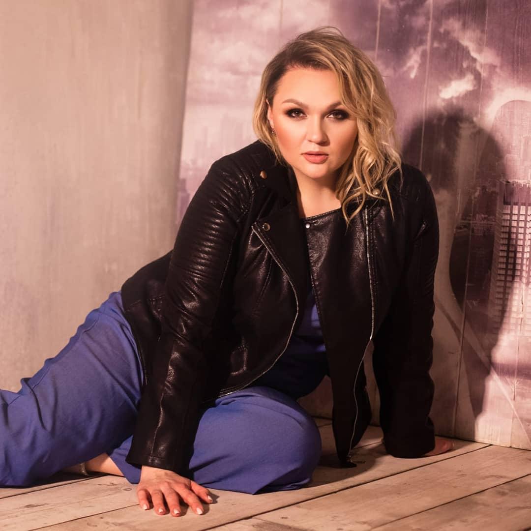 Звезда шоу Comedy Woman Надежда Ангарская — о косметологии, уходе за собой и мужчинах