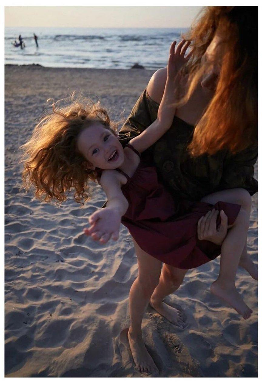 Рыженькая, как мама: Виктория Исакова показала редкое фото подросшей дочери