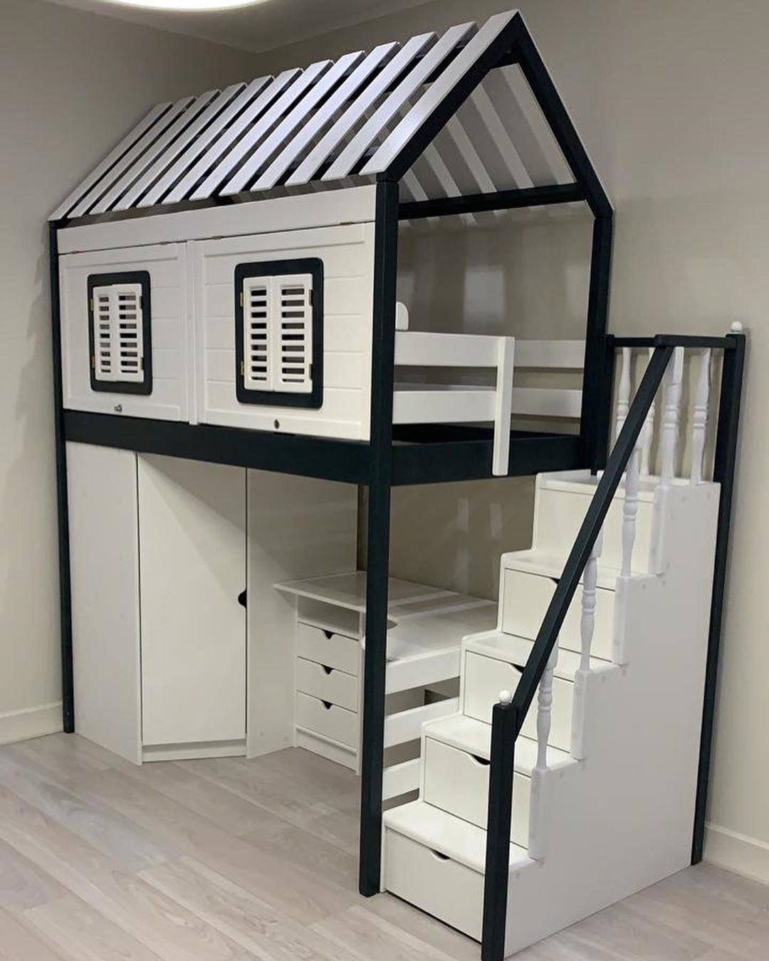 Звездный интерьер: Агата Муцениеце показала, как обустроила детскую в новой квартире