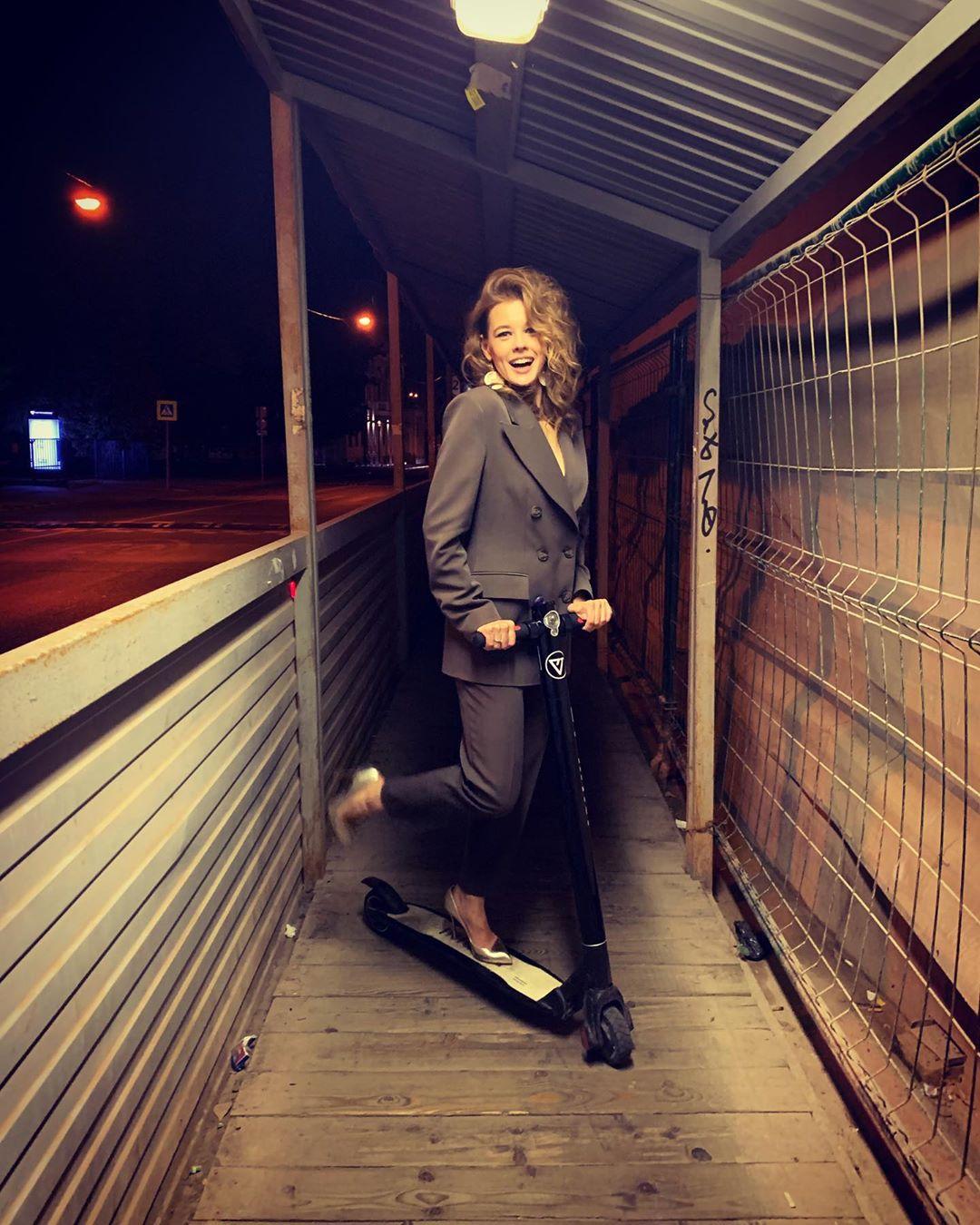Пространство для модных маневров: Екатерина Шпица рассказала, за что любит осень