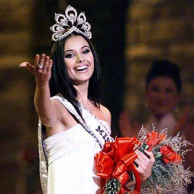 Оксана Федорова поделилась воспоминаниями о конкурсе «Мисс Вселенная» и оценила современных участниц
