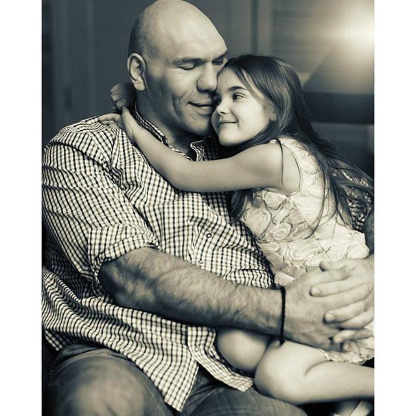 Самый нежный папа: Николай Валуев опубликовал трогательное архивное фото с дочерью