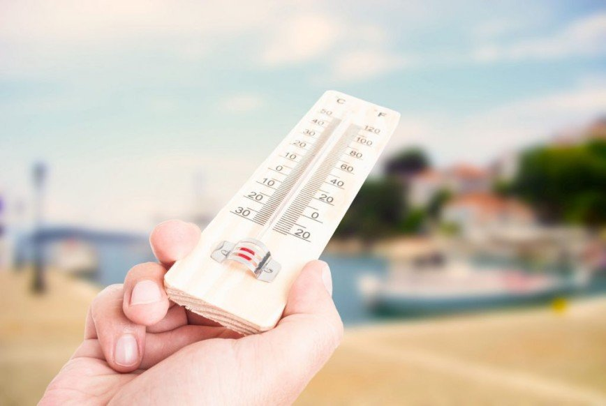 """Москвичам предлагают отдохнуть от жары в """"комнатах прохлады"""""""