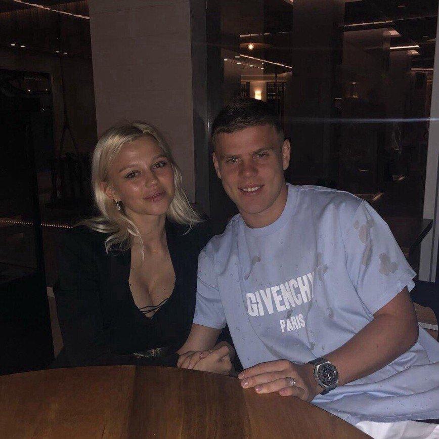 У него накопилось: гражданская жена Кокорина решила объяснить его поступки