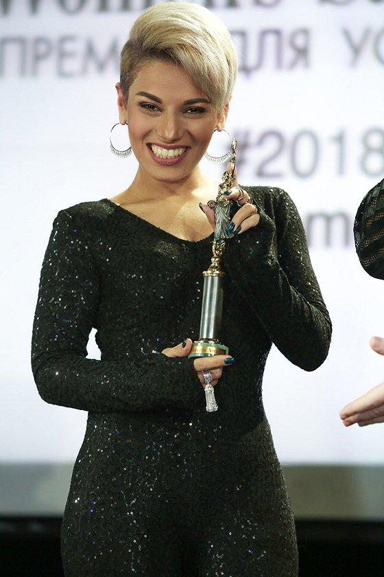 """Эвелина Бледанс, Нелли Ермолаева и Ханна получили """"Премию успешных женщин"""""""