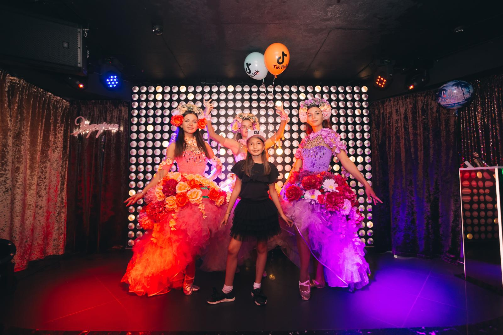 Дочь Инны и Юрия Жирковых устроила вечеринку в стиле TikTok: