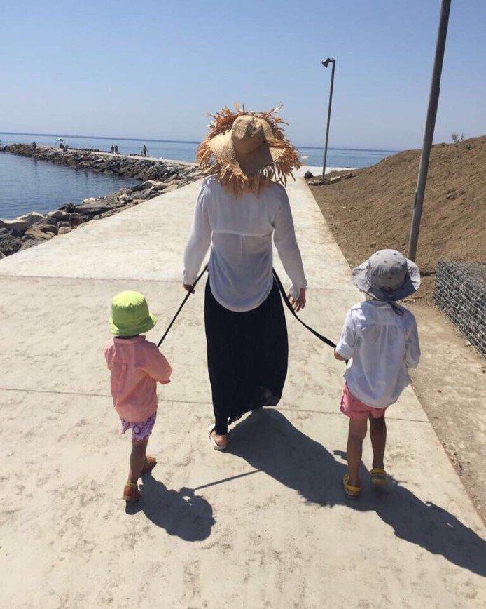Дети накинули поводок на Ляйсан Утяшеву и заставили мяукать