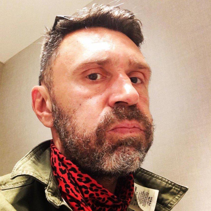 Шнуров дует щёки из-за Сборной России по футболу