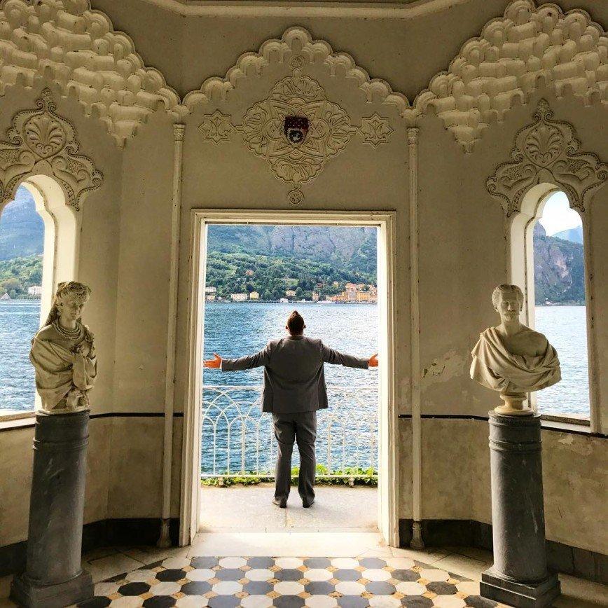 Сергею Жукову при отъезде от любимых сводит скулы