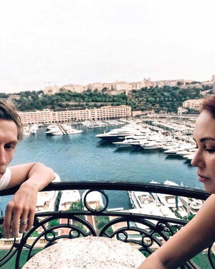 Павел Воля фотографируется с чужими яхтами ради Instagram