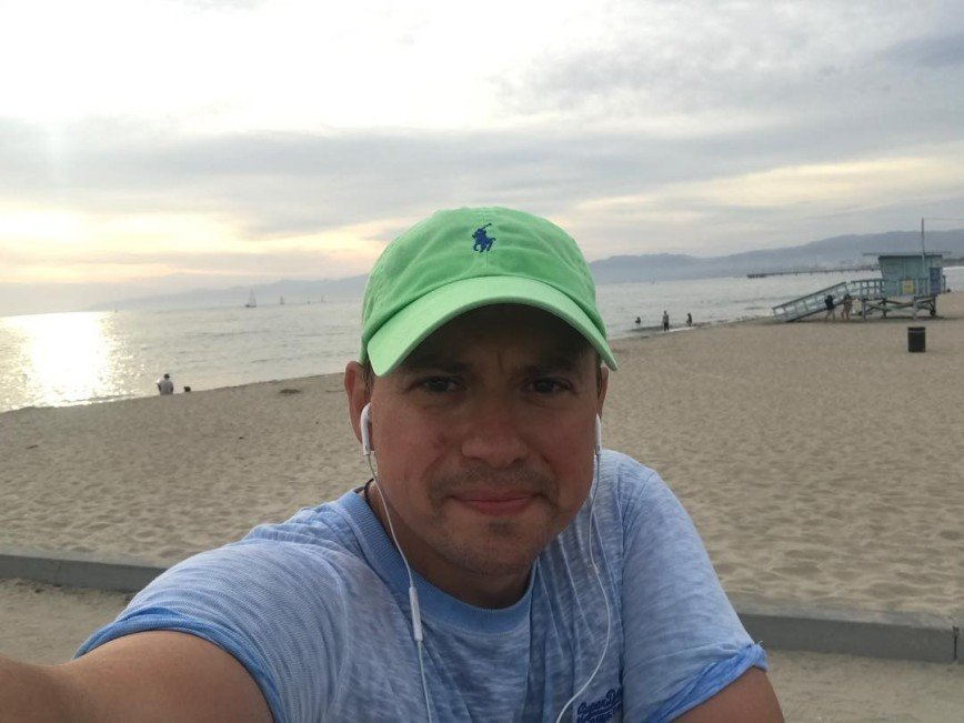 «Поймал волну»: Андрей Гайдулян увлекся серфингом