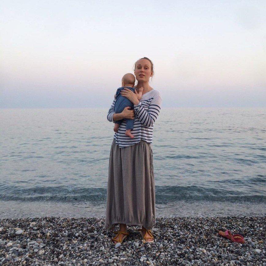 Первое фото Ольги Ломоносовой с ребенком