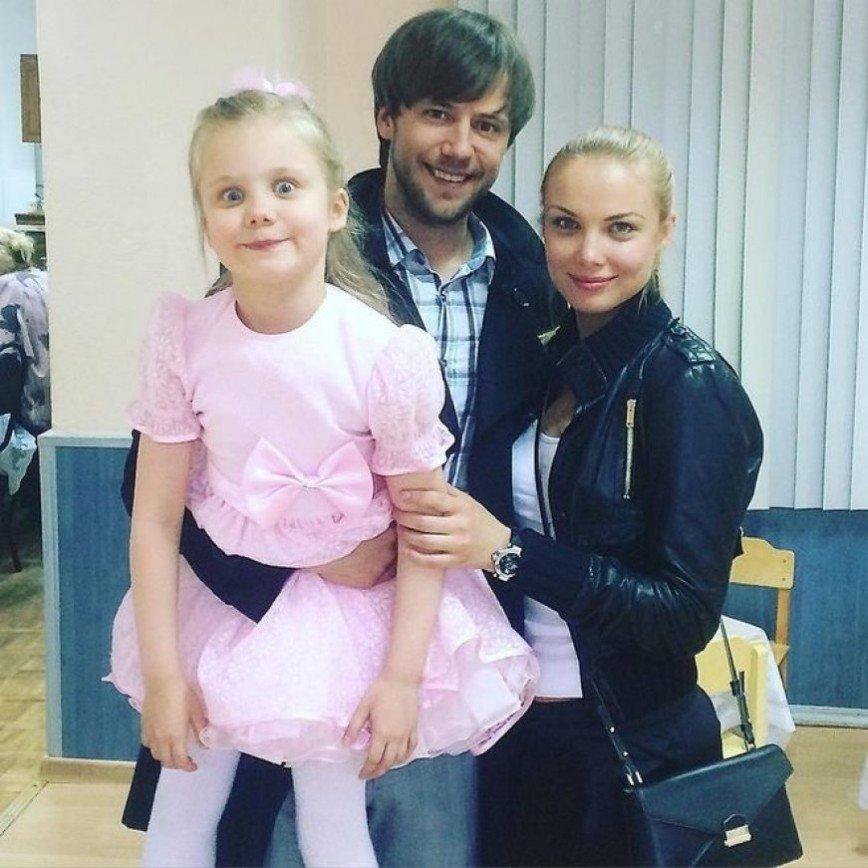 Подросшая дочь Ивана Жидкова оказалась копией его бывшей жены
