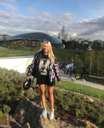 """Какая же безвкусица"": Наталья Рудова нарядилась в плюшевую шубу"