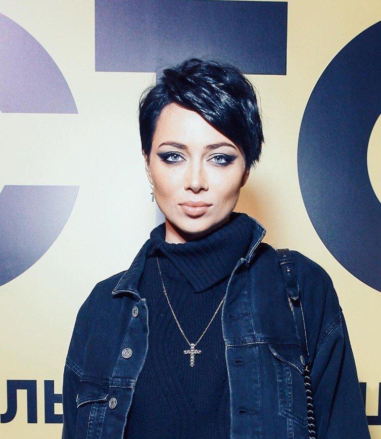 «Больно смотреть»: фанатов Настасьи Самбурской встревожил ее грустный взгляд