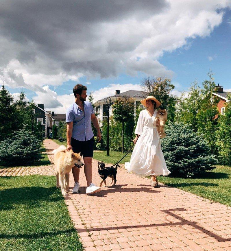 «Как Америка 60-x»: Екатерина Волкова порадовала подписчиков семейным фото