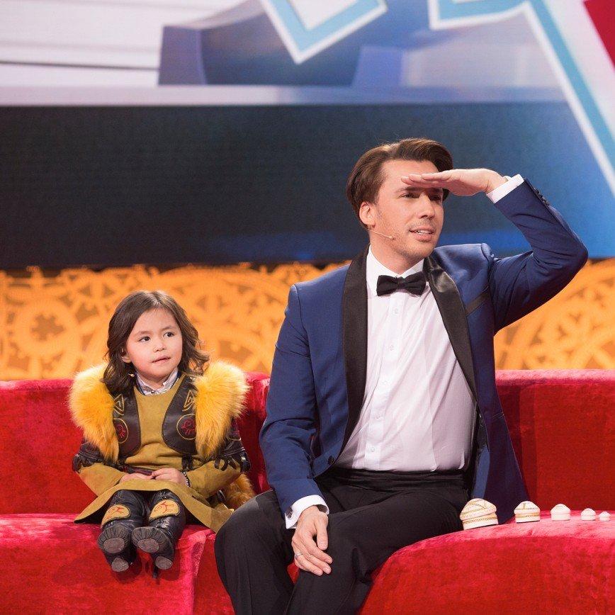 Максим Галкин показал «безумное чаепитие» своих детей