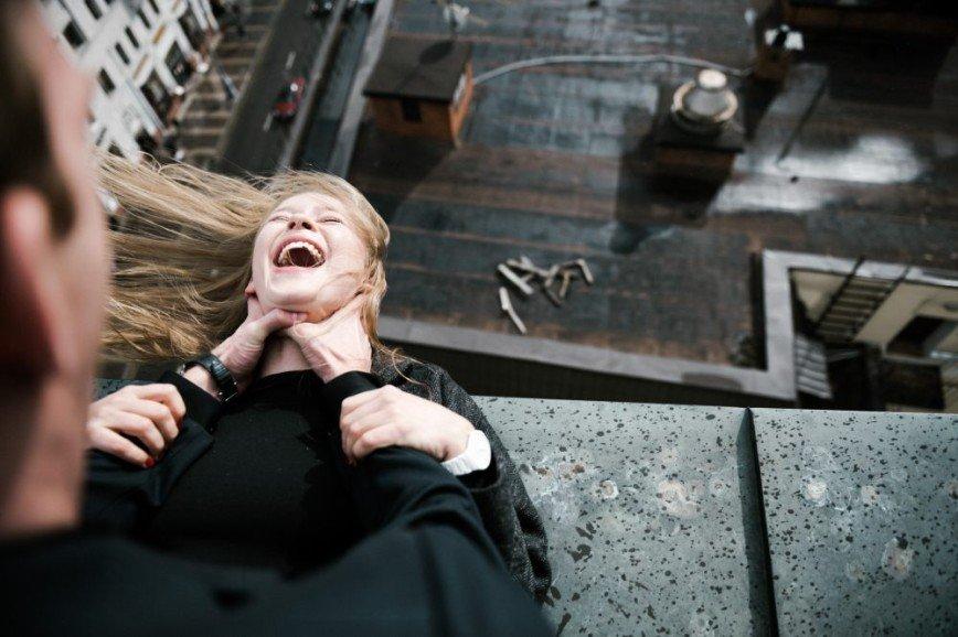 Юлии Пересильд пришлось драться на крыше ради работы