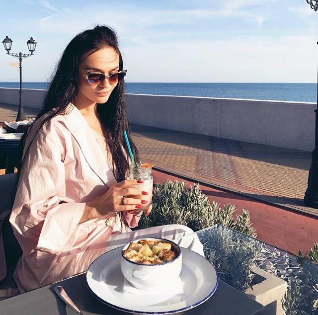Алена Водонаева в Сочи предалась воспоминаниям о прошлом
