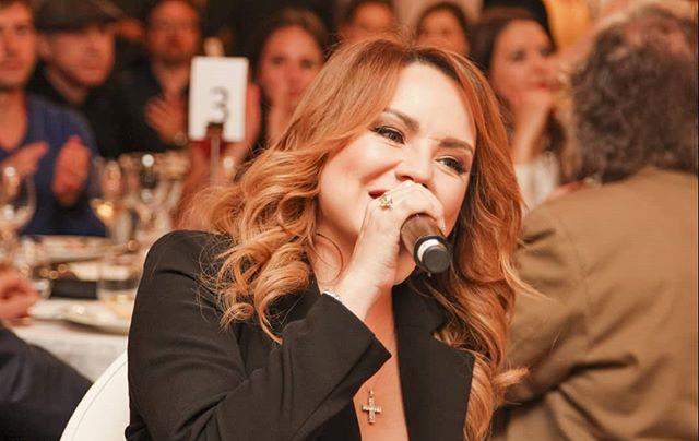 «Можно поздравлять?»: кольцо на руке певицы МакSим приняли за обручальное