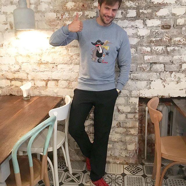 «Это не пузо»: Иван Жидков показал фото из спортзала