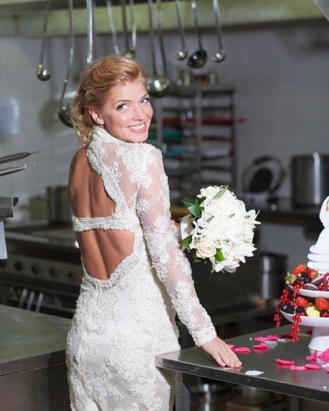 parallel brides