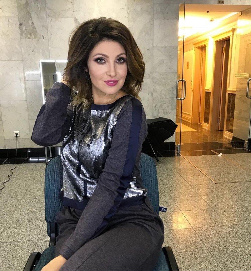 Анастасия Макеева не может подобрать парик для новой роли
