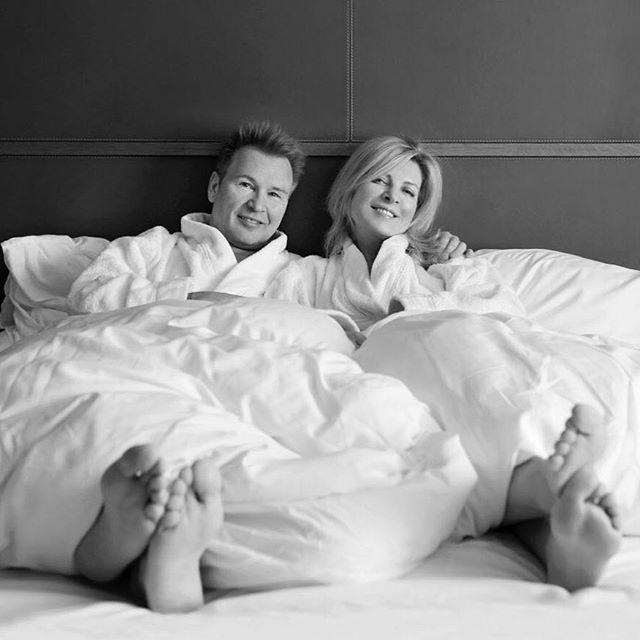 «28 лет вместе»: Александр Малинин показал свадебные фото