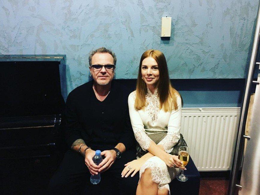 «Дельфинчики!»: Наталья Подольская показала семейное видео из бассейна