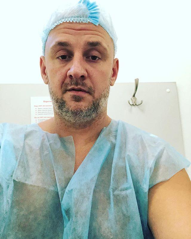 «Леша, не пугай»: Потап опубликовал снимок из больницы