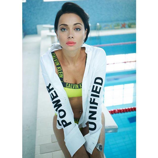 «Вешу много»: Настасья Самбурская рассказала, почему ее не носят на руках