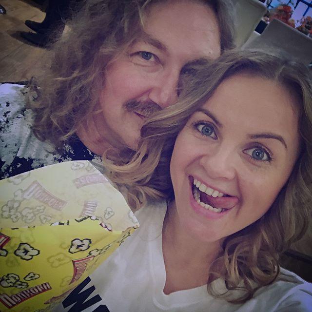 «А челка мне нравится!»: Юлия Проскурякова записала обращение к инстаграм-советчицам