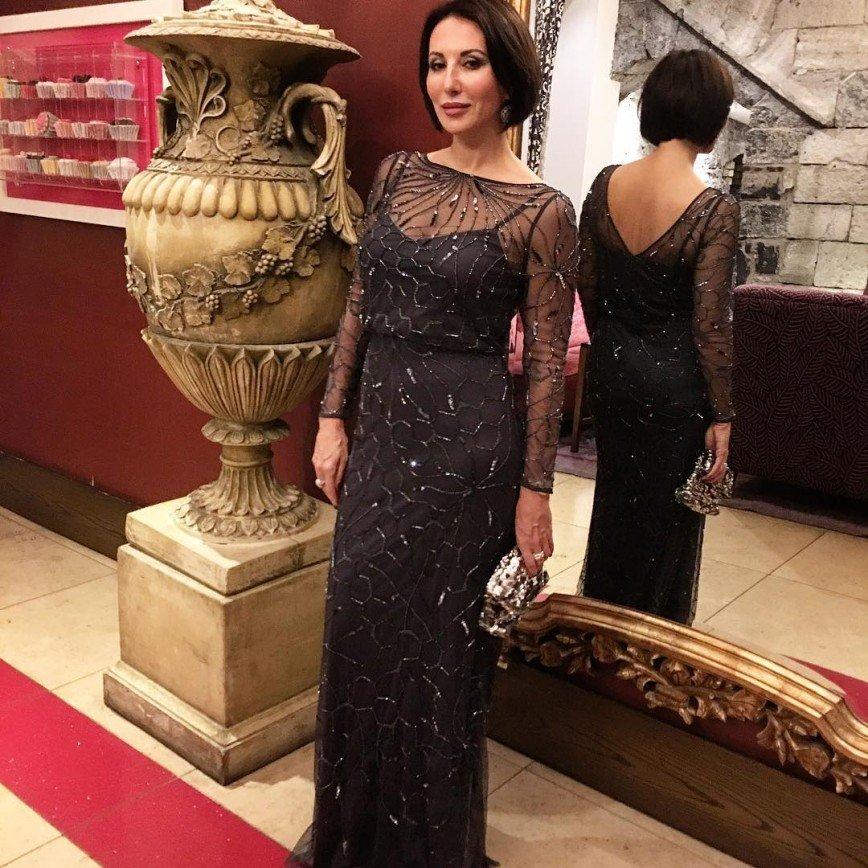 алика смехова в красивом платье фото побеждал открытых конкурсах