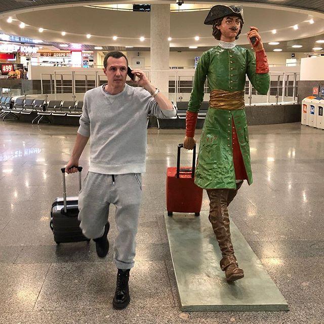 «Новогоднее диско»: Игорь Верник исполнил необычный танец