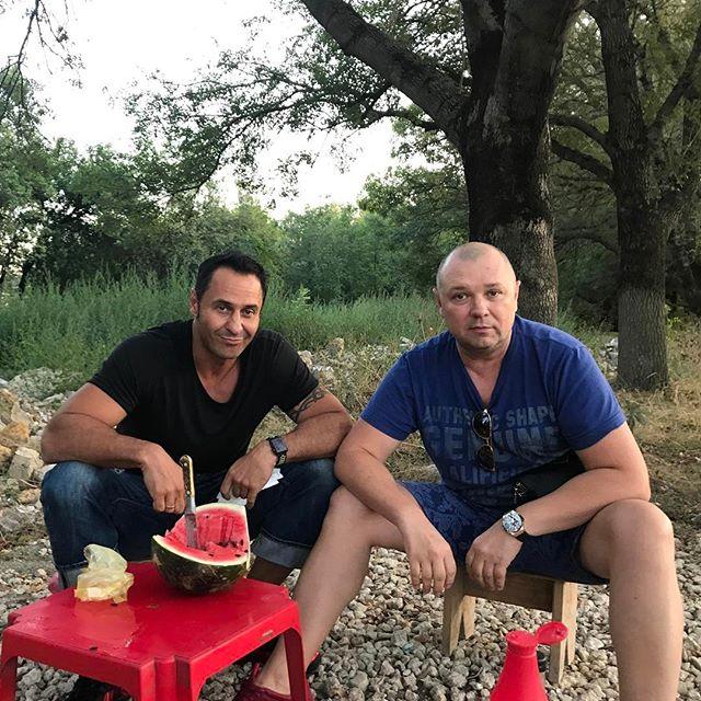 «Все настоящее»: Костюшкин проверил грудь Семенович на подлинность