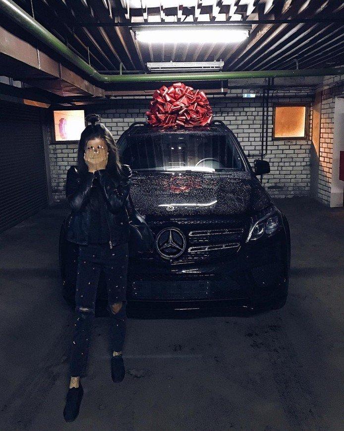 «Берегитесь, пешеходы»: Алина Измайлова получила в подарок автомобиль