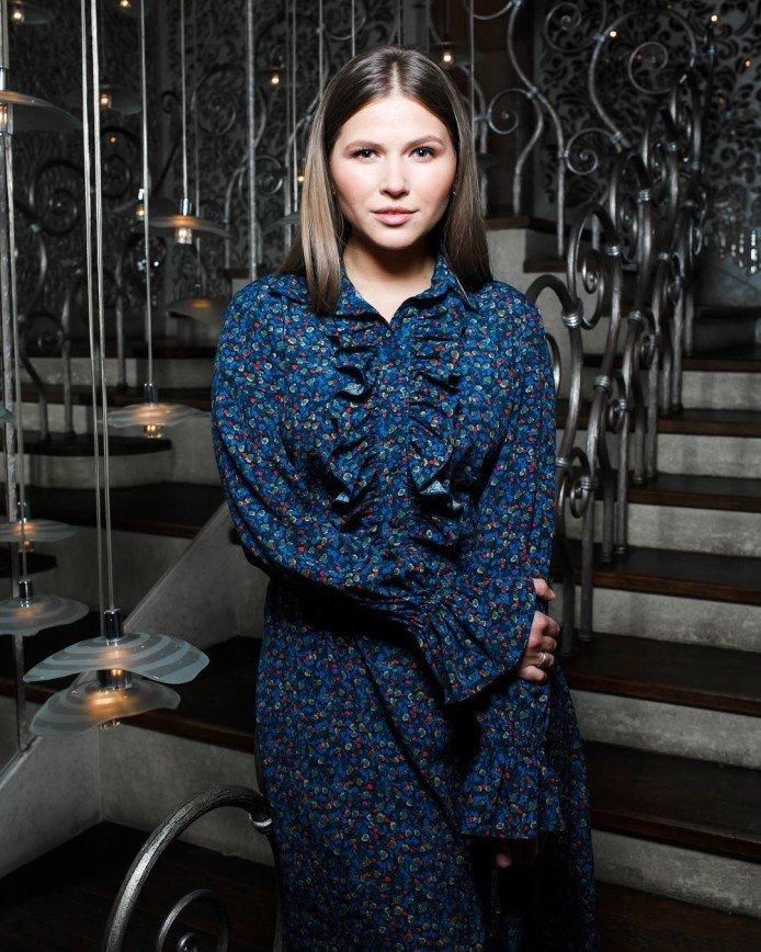 «Самобытная такая»: Юлии Топольницкой идет образ барышни