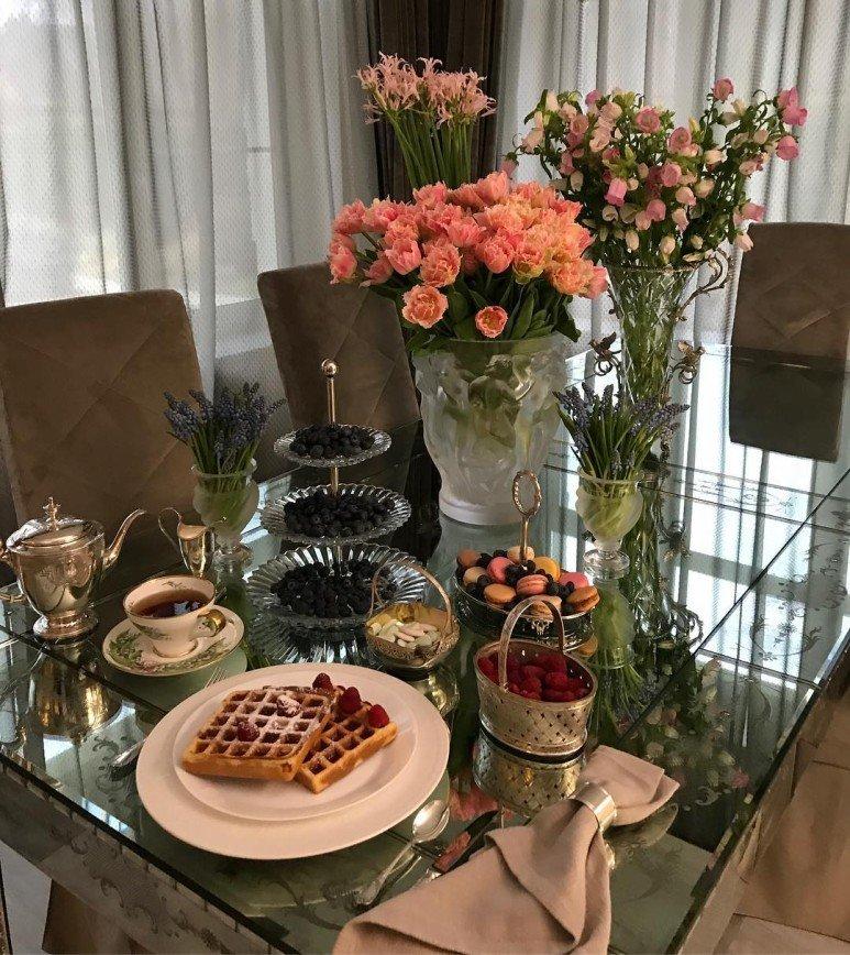 «Готовить не умеете»: Яна Рудковская поделилась рецептом вафель