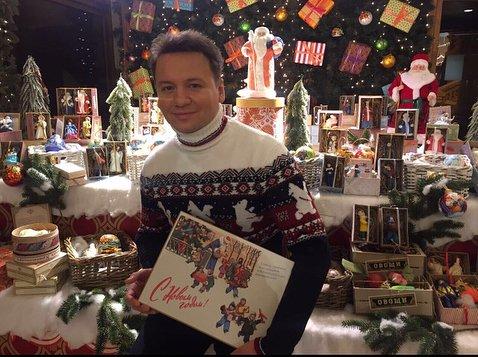 Александр Олешко открыл свою выставку новогодних игрушек
