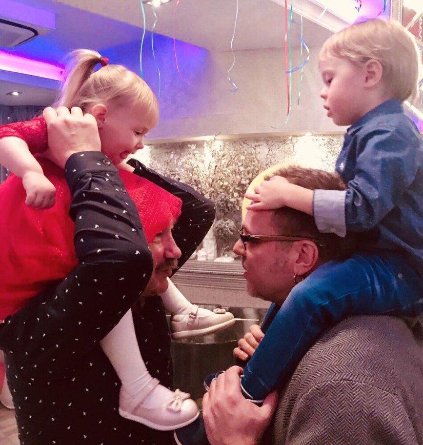 «Отцы на пенсии»: дети Игоря Николаева и Владимира Преснякова проводят время вместе