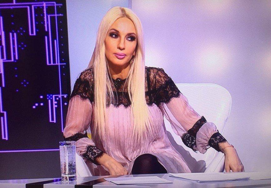 «Очень много косметики»: Леру Кудрявцеву просят сменить имидж пенсионерки