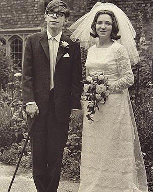 А формулу любви и не открыл: странные браки Стивена Хокинга
