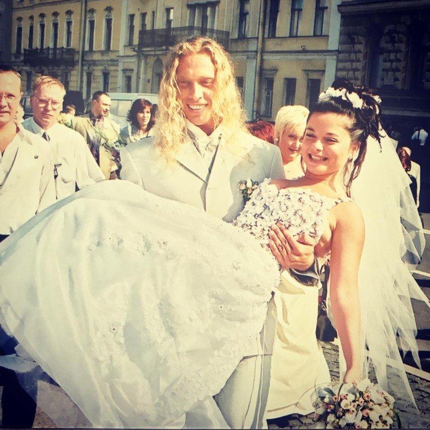 среди фото свадьбы наташи королевой каждого стенда