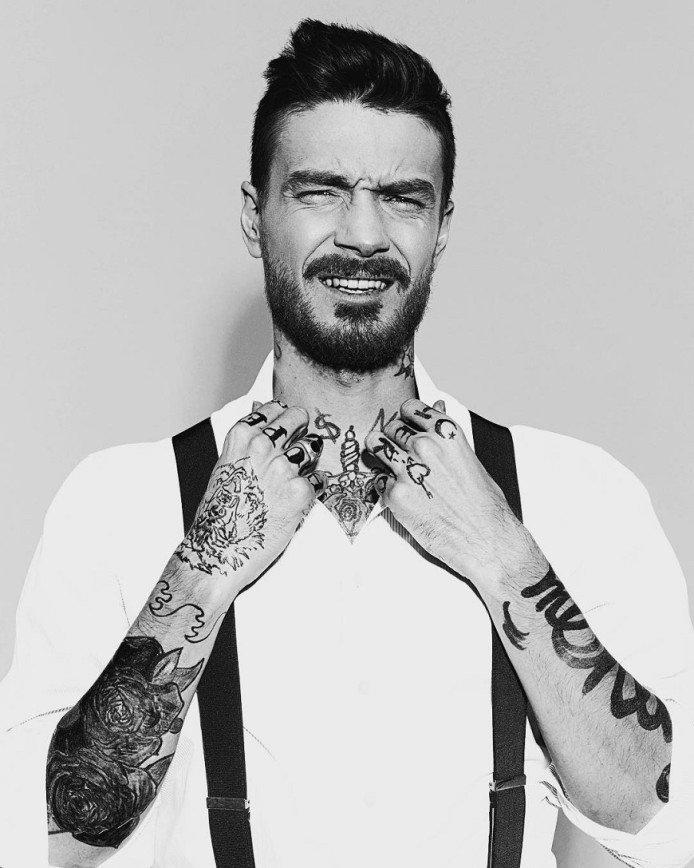 """""""Иногда хочется похулиганить"""": Максим Матвеев разрисовал себя татуировками"""