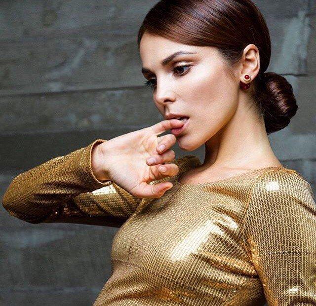 Сати Казанова рассказала, как цвет одежды влияет на настроение
