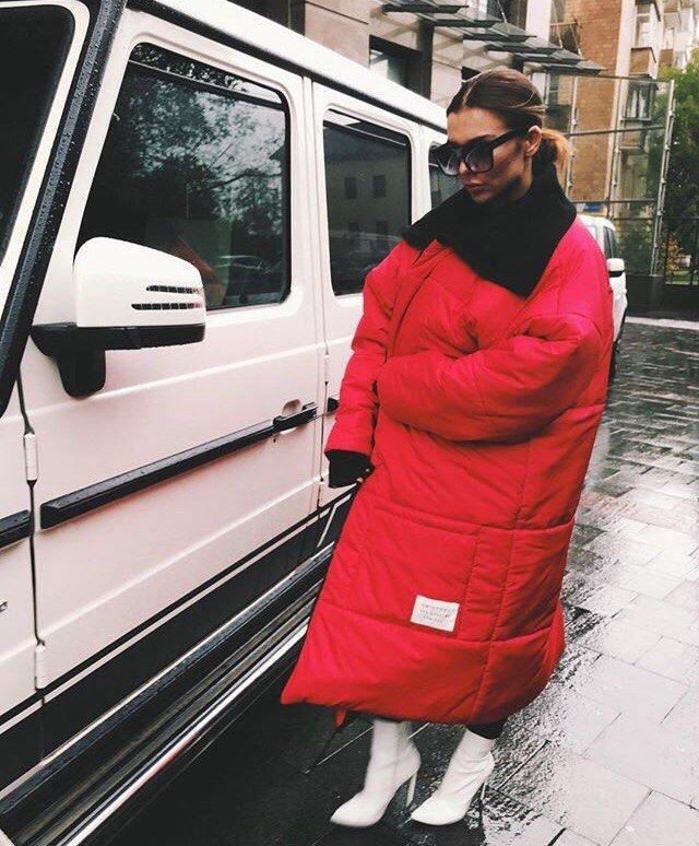 """""""Верблюжье одеяло"""": поклонники раскритиковали наряд Анны Седоковой"""