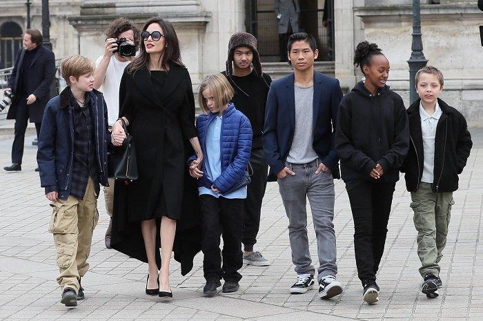 Анджелина Джоли рискует потерять опеку над детьми из-за претензий Брэда Питта