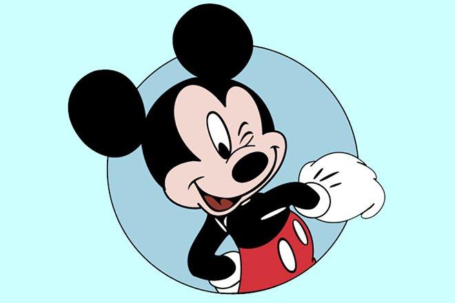 Зара примерила ушки Микки Мауса в честь 90-летнего юбилея мышонка