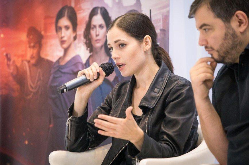 «Это сильно!»: Юлия Снигирь показала съемки сериала «Хождение по мукам»
