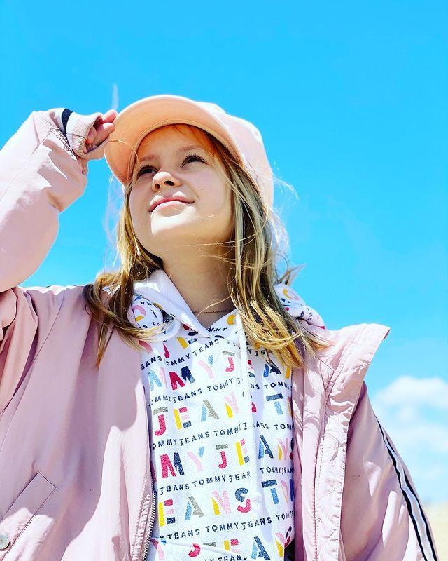 Мамина девочка! Мария Порошина поделилась редкими фото 11-летней дочери: Многие коллеги Порошиной отправились отдыхать в Дубай и на Мальдивы, но судя по наряду актрисы и ее детей, она выбрала